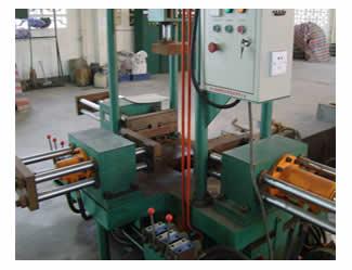 重力铸造机